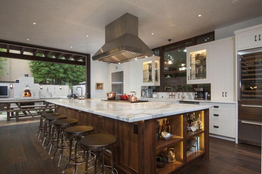 open gourmet wolf/subzero kitchen